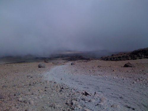 mondlandschaft-kilimanjaro