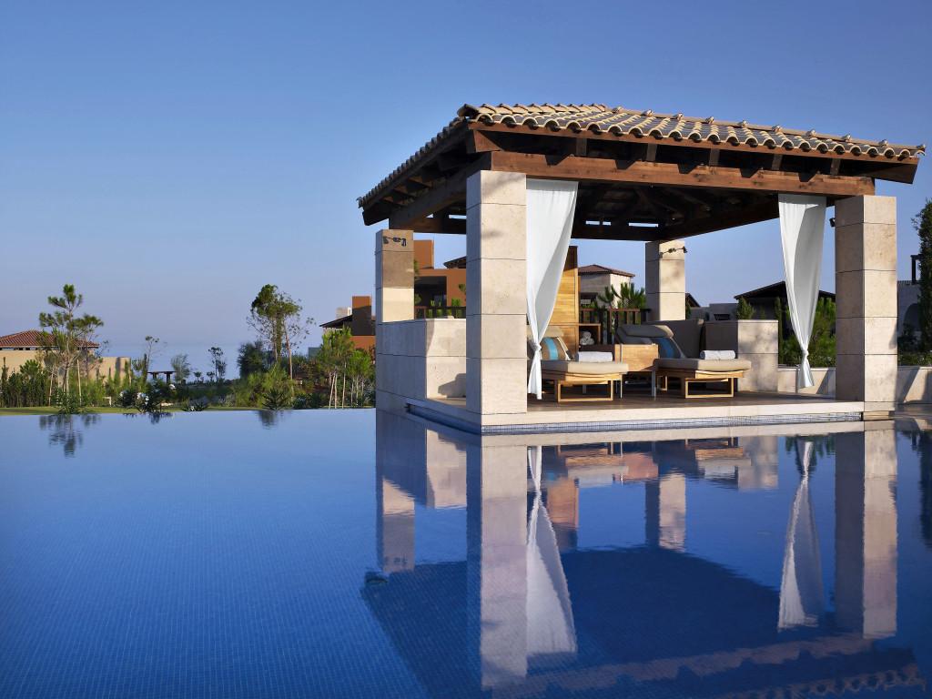 Help hellas teil 2 costa navarino reiseblog for Besondere hotels weltweit