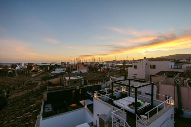 Der wunderschöne Blick vom Dach des Puro Hotels