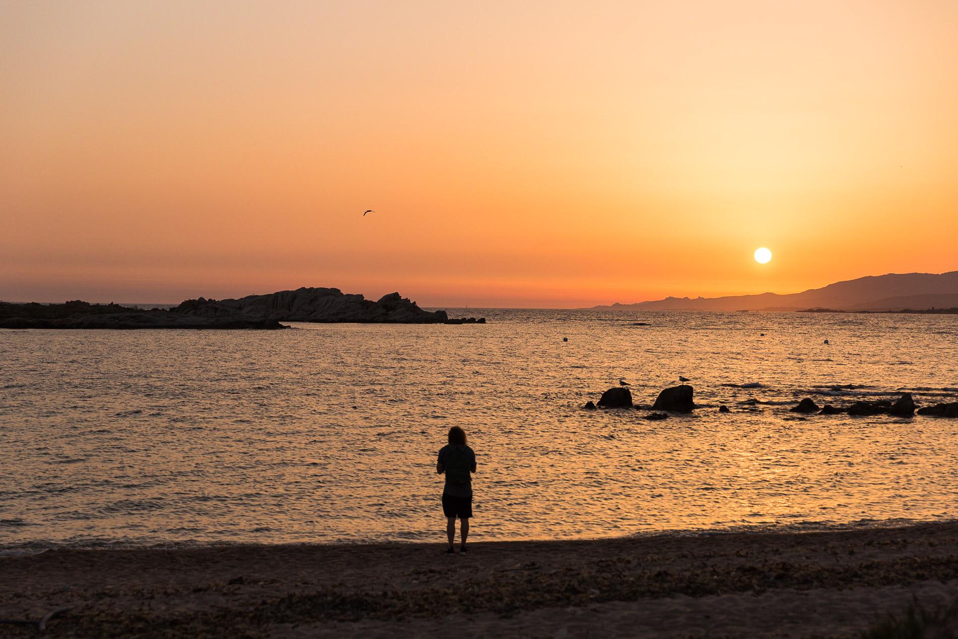 Sonnenuntergänge gibt es an der Westküste.