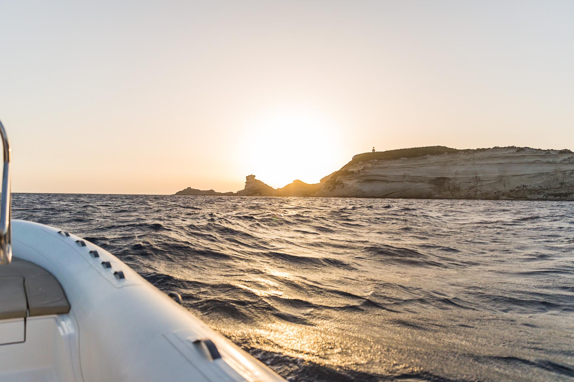 Bei einem Bootsausflug von Bonifacio lässt sich die Insel erkunden.