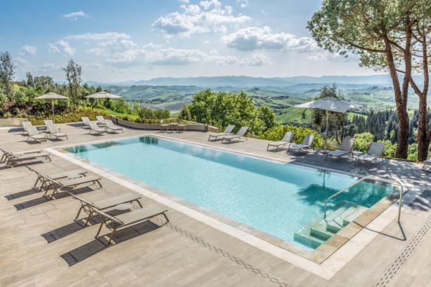 Castelfalfi TUI Hotel BLOG Pool