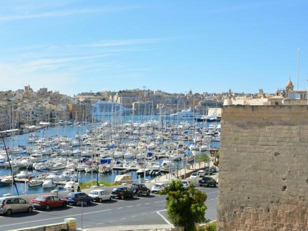 Hafen Vittoriosa TUI Reisen Städtreise Sprachreise Urlaub Wochenendtrip