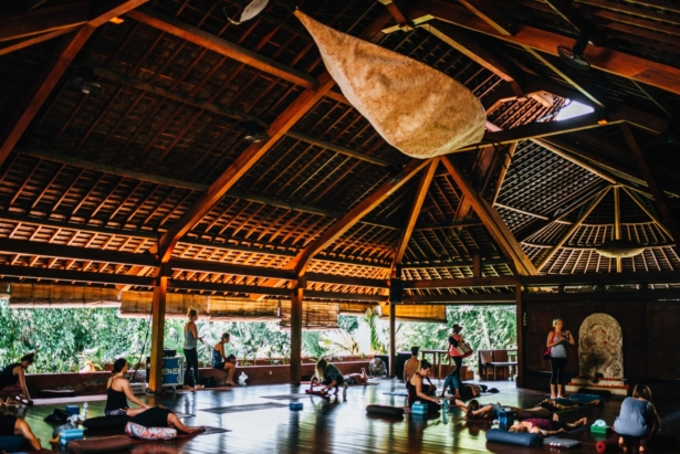 Yoga-YogaBarn-Bali-Tipps-TUI-Blog