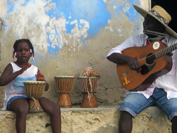 Musik liegt den Einheimischen sehr am Herzen, deshalb wird oft für Urlauber musiziert.