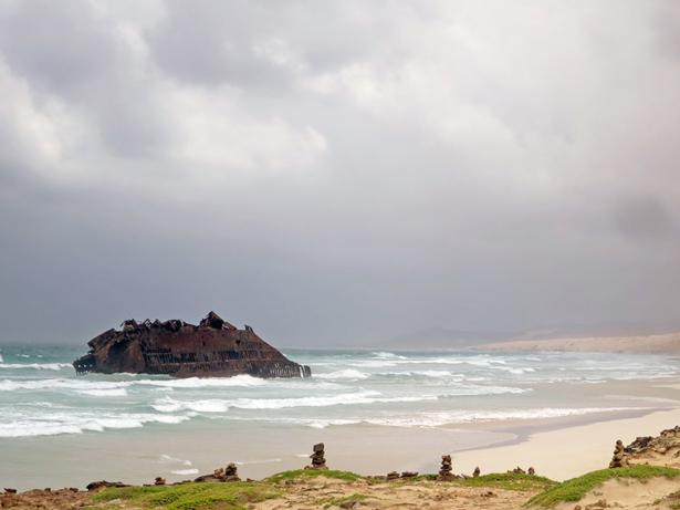 Das Frachtschiff Santa Maria lief vor 40 Jahren an der Küste von Boa Vista auf.