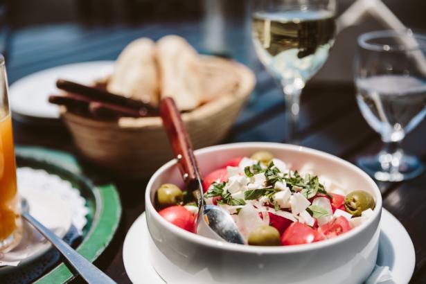 Wein und Tomatensalat Lanzarote