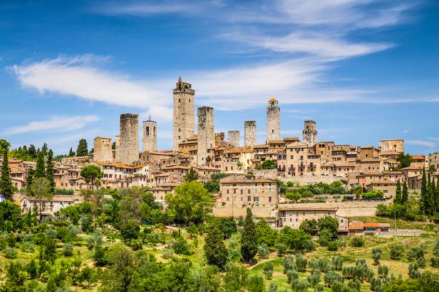 shutterstock_221848963_San_Gimignano_Toskana