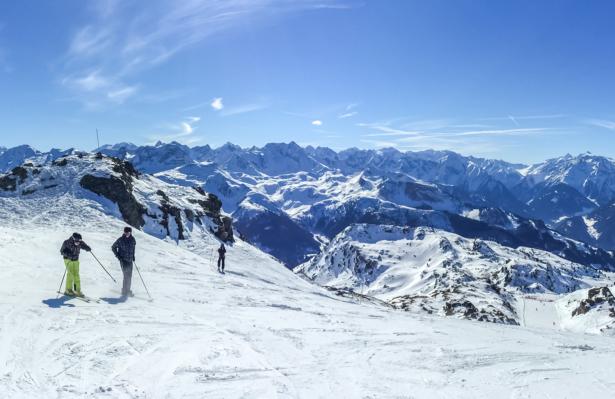 TUI Weihnachtsziel Österreich Skifahren