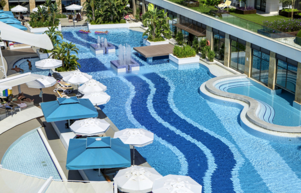TUI BLUE Side Pool